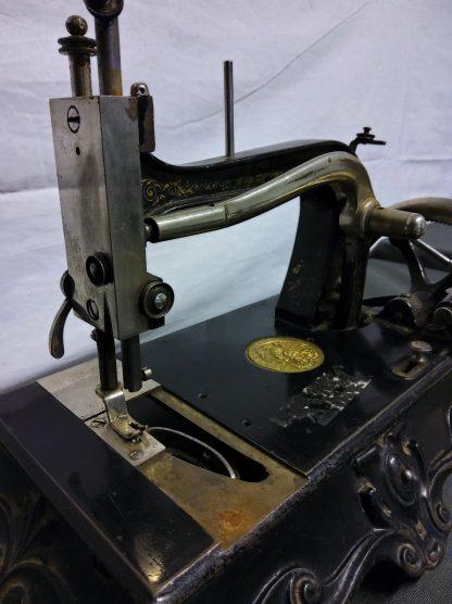 Antikk symaskin 2