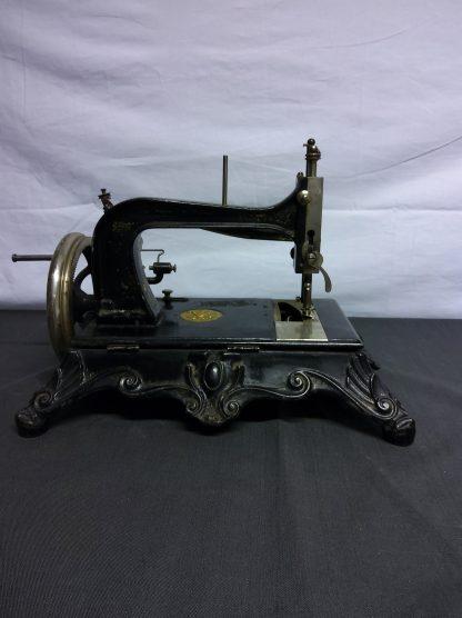 Antikk symaskin 4