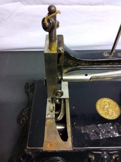 Antikk symaskin 6