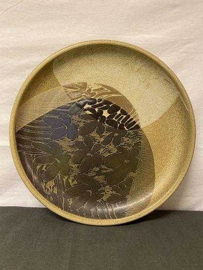 Brunt keramikkfat