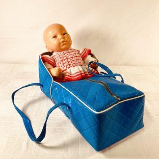 Dukke med sovebag fra 70-tallet
