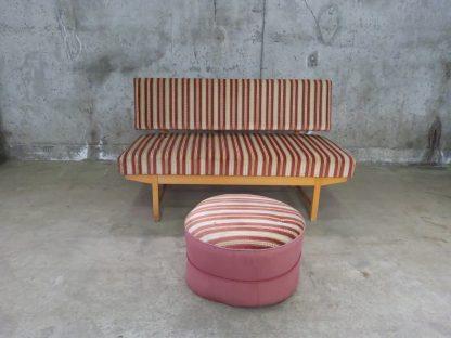 Retro sofa med puff