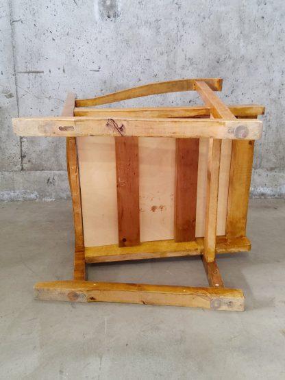 Vintage stol med blå og plommerød putetrekk 1