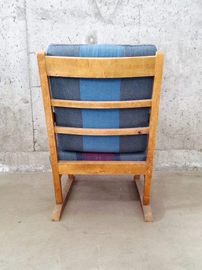 Vintage stol med blå og plommerød putetrekk 4