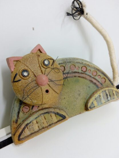 Håndlaget keramikk katt