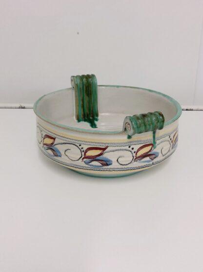 Håndlaget skål i keramikk