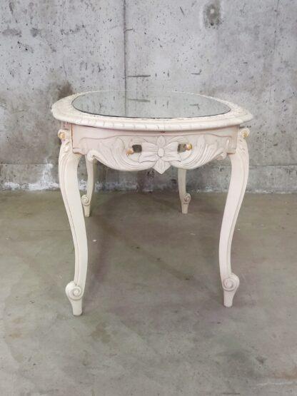 Unikt bord med utskjæringer og glessplate 8